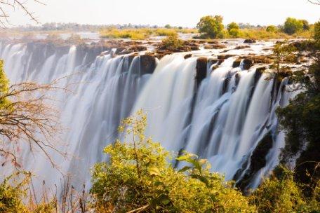ESENCIA DE SUDÁFRICA EN RESERVA PRIVADA y CATARATAS VICTORIA (lado de Zambia)